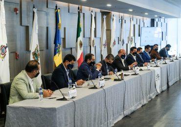 La Alianza Federalista firma controversia constitucional contra la desaparición de fideicomisos