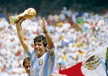 El astro del fútbol Maradona muere tras sufrir paro cardíaco en Argentina