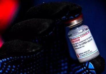 Moderna informa de eficacia de su vacuna anti-COVID contra cepas británica y sudafricana