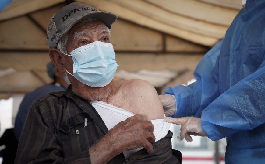 Jalisco ya está vacunando contra COVID-19 a adultos mayores