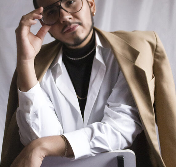 "El premio ""Modapremio by Epson"" 2021 fue para Antonio Saga, estudiante de la UdeG"