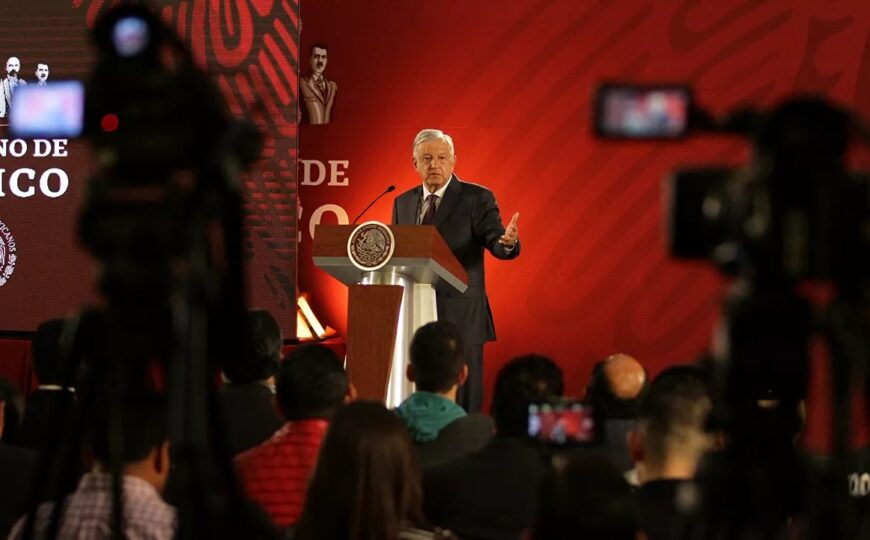 """Llama López Obrador a gobernadores electos a auditar a sus antecesores para """"deslindar responsabilidades"""""""