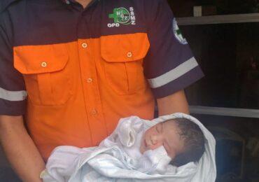 Encuentran a la bebé robada envuelta en sábanas con distintivos del Hospital General de Occidente