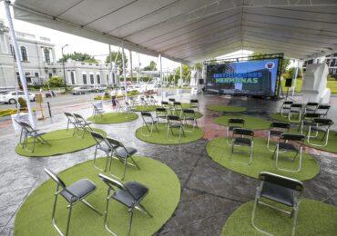 Instala UdeG cine al aire libre en defensa del Museo de Ciencias Ambientales