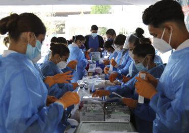 Ofrece la UdeG su red universitaria para reforzar vacunación en Jalisco