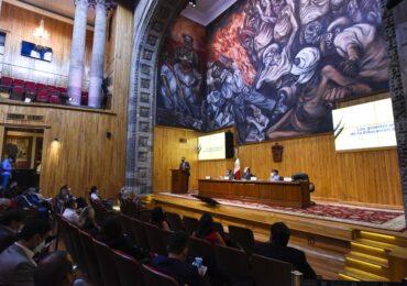 Políticos y gobernantes tienen poco aprecio por la educación en México: Guevara Niebla