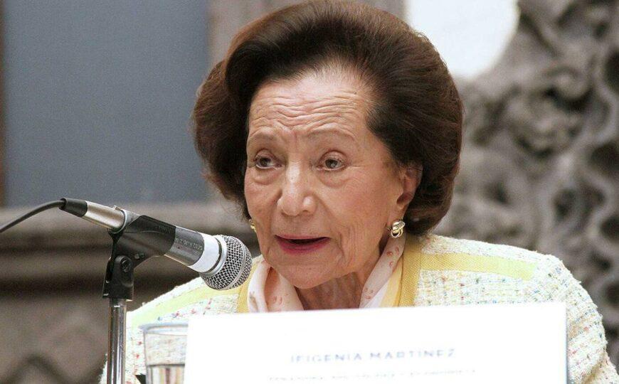 Recibe Ifigenia Martínez la máxima presea del Senado de México